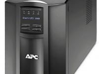 UPS SMART APC SMT1000I, 1000VA, 230V, 8 TOMAS C13, 2 TOMAS IEC JUMPERS. INTERFAZ SMARTSLOT, USB.